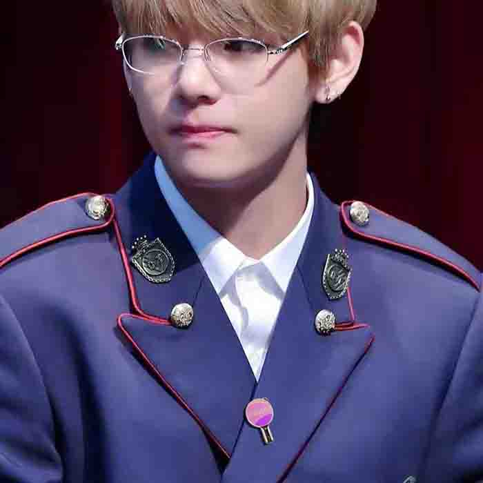 BTS 'I Purple You' Army Bomb Badge